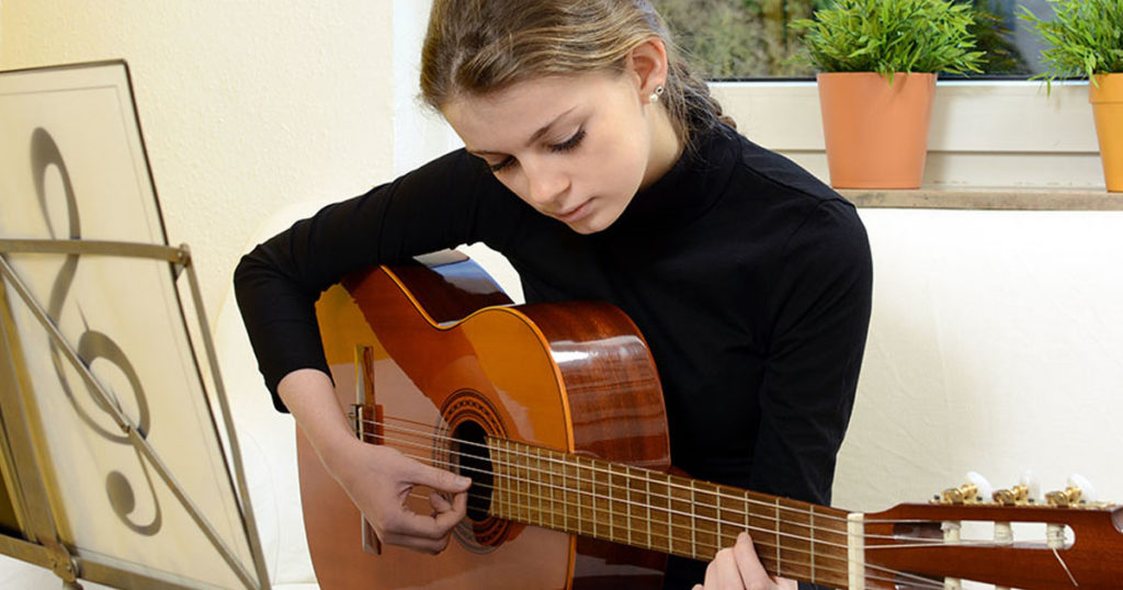 learn-to-excel-at-guitar-lessons